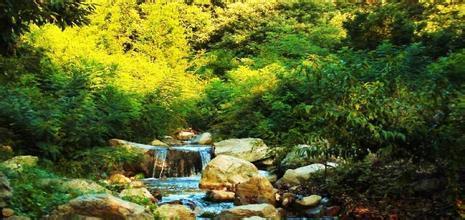 铁镢山风景区位于青岛胶南市六汪镇境内,面积7.8平方公里.铁橛山