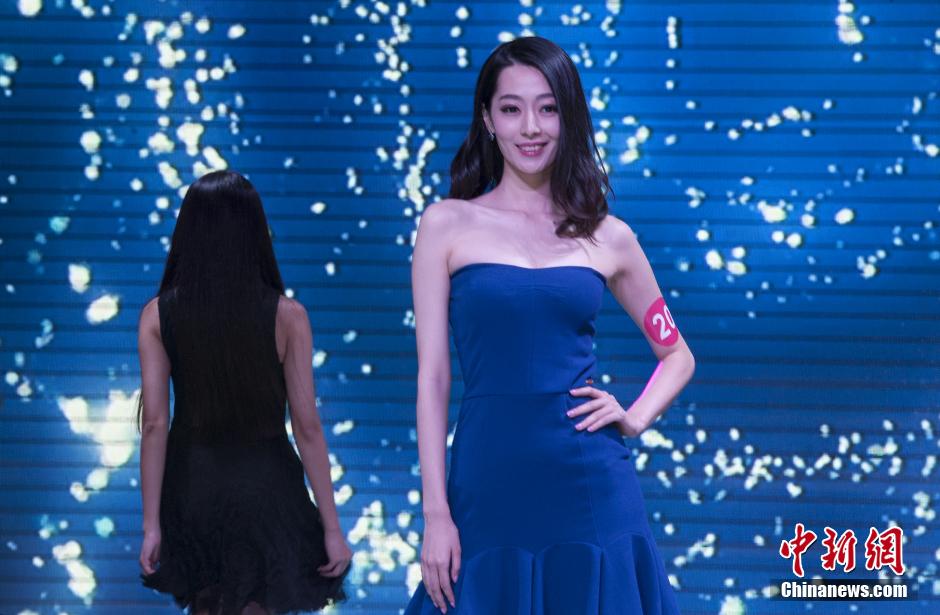 环球小姐北京赛区12强竞艳佳丽泳装风姿撩人