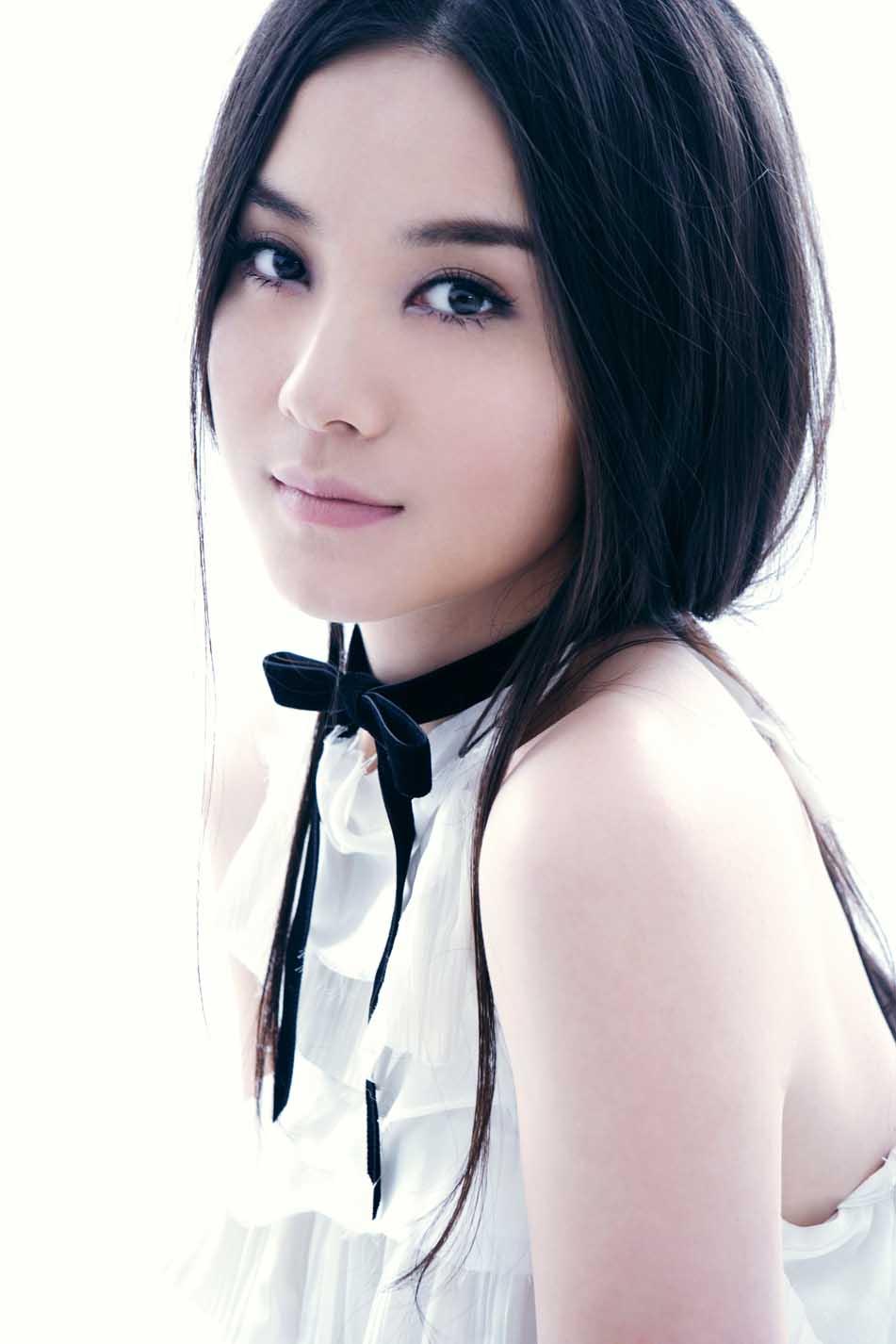 小宋佳是在音乐学院一个师姐的建议下考入上海