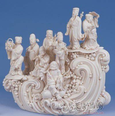 《盘古开天地》,《八仙过海》,《荷女》分别获得银,铜奖和优秀奖;2002