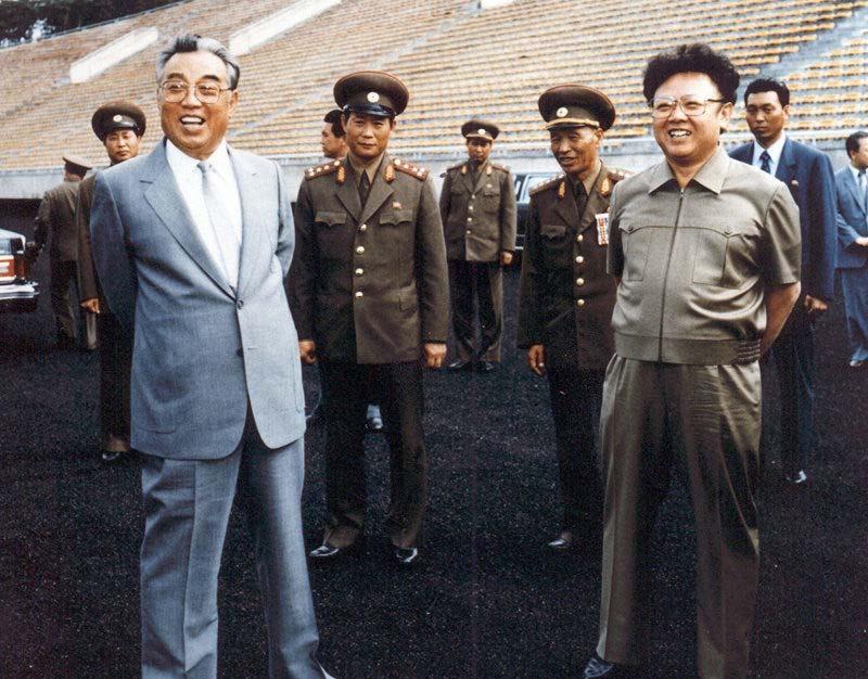 朝鲜和�yf�_2011年12月17日,朝鲜党和国家最高领导人金正日因心脏病突发离世