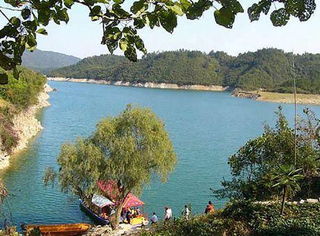 三道河水镜湖即三道河水库,三道河水镜湖风景区自然资源丰富.